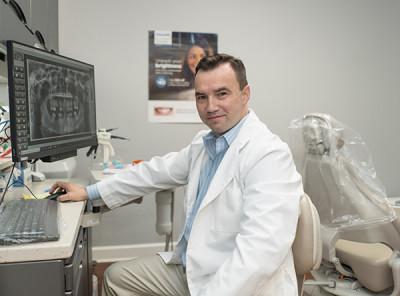 Стоматолог Руслан Семчишин Light DENTIST Touch - Dental Services в Atlanta