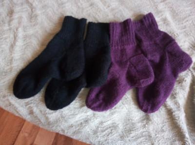 Свяжу носочки, тапочки следочки для деток и взрослых, а так же варежки, салфетки