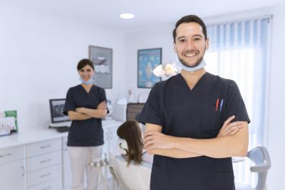 Алекс Грюнберг, 163 Dental - Стоматологии в Майами
