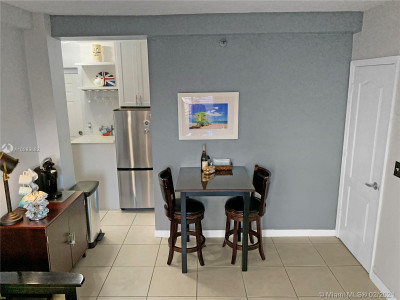 1 Bed 1 Bath Apartment for Any Term in Miami Beach, FL