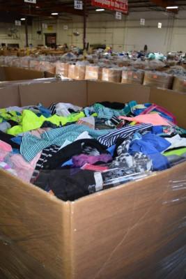 Оптовые поставки с США одежды сток всех брендов и доставляем в любую страну мира